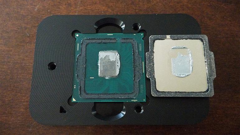 Una vez despejamos en IHS mediante el delid dejamos al descubierto el chip de nuestro procesador.