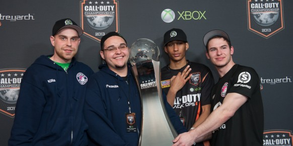 Fariko Gaming son los nuevos reyes de Call of Duty. Un anillo, el precioso trofeo y 400.000 dólares a repartir.