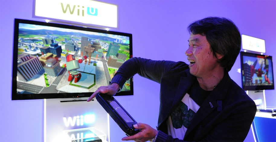 Shigeru Miyamoto jugando a Project Giant Robot.