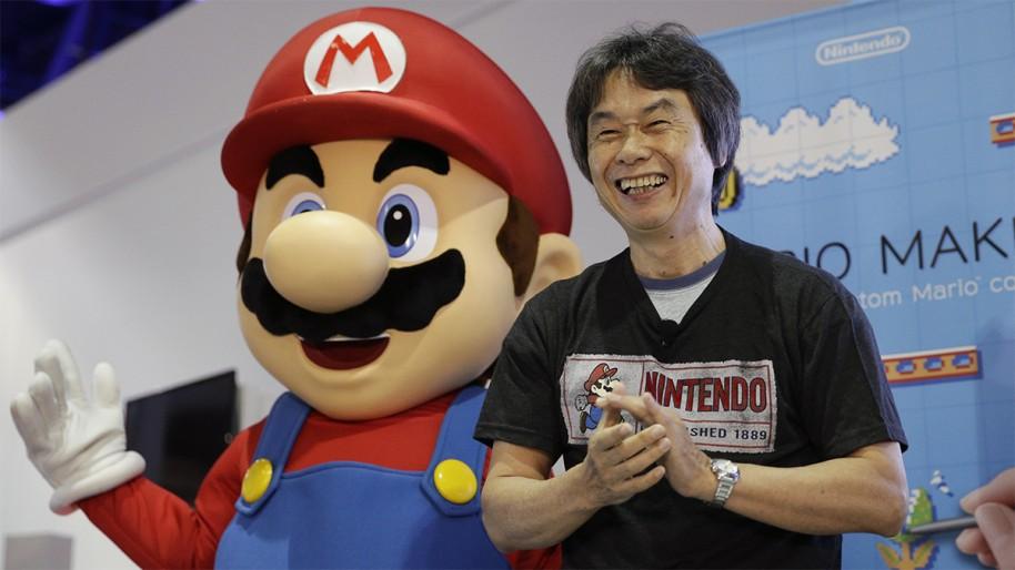 """¿Dónde encontró Miyamoto la inspiración? En esencia, en todas partes. Por ejemplo, meter un """"scroll"""" horizontal lo pensó mientras iba en tren y veía las cosas pasar. Era más divertido que ver las pantallas estáticas de entonces."""