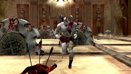 El equipo del primer God of War constó de 45 personas. Su objetivo prioritario era trabajar lo más eficazmente posible para pasar el último mes de la producción en la playa con el juego terminado.